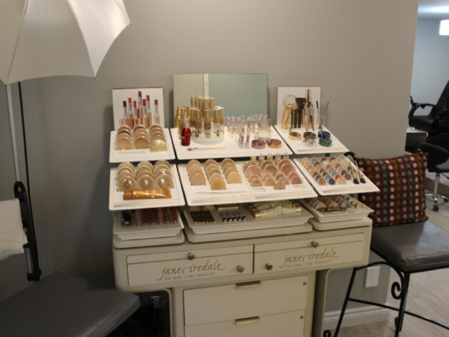 Beauty Works Day & Medi Spa | Belleville, ON | 40th Anniversary & Grand Opening VIP Night | Jane Iredale Mineral Makeup