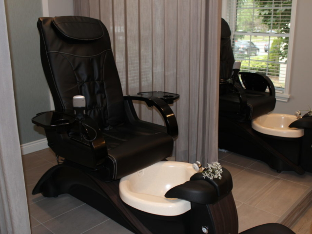 Beauty Works Day & Medi Spa | Belleville, ON | 40th Anniversary & Grand Opening OPEN HOUSE | Pedicures